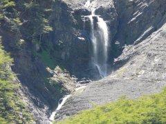 Wasserfall_Torres_del_Paine.jpg
